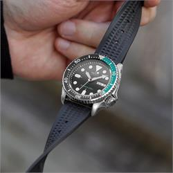 Seiko SKX007 009 on a Vintage Waffle Rubber Watch Band Strap in 22mm lug width B & R Bands