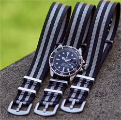 BandRBands 20mm Classic Bond Nylon Seat Belt Nato Watch Strap Bands on a Vintage Rolex Submariner 1680 dive watch
